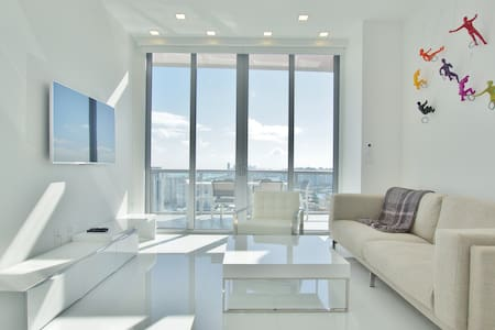 Beachwalk Resort Upper Penthouse - Hallandale Beach