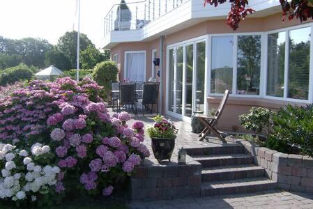 Udsigts villa ved vandet i Egernsund ved Gråsten