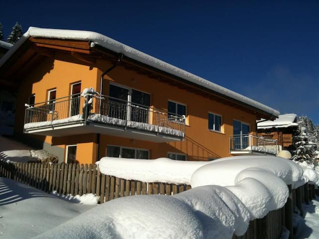 Modern apartment on the slopes! - Flachau - Huoneisto