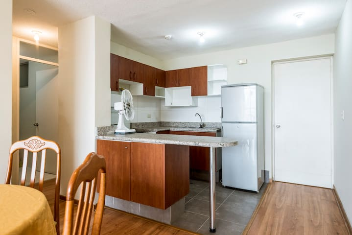 2BR 1B Furnished Apt in Lima w/pool - Jesús María - Apartamento