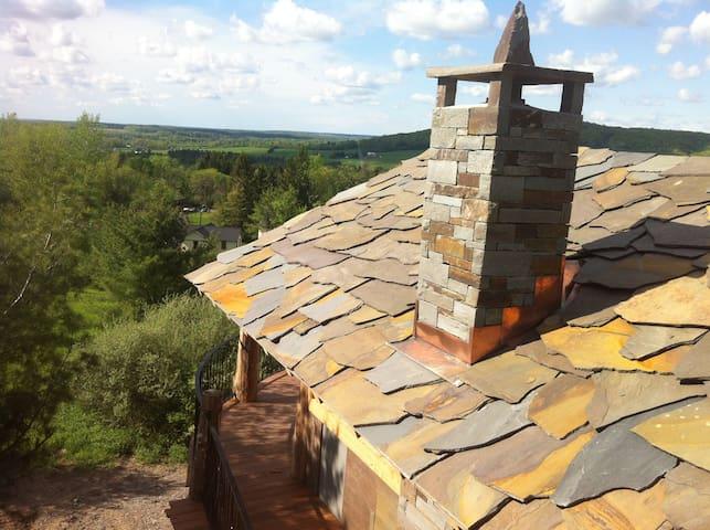 Stone Quarry House Luxury Cottages - Ithaca - Casa