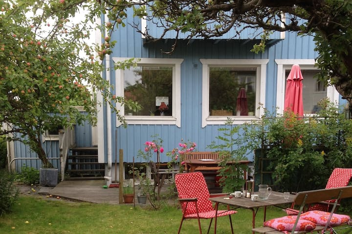 House close to both heart of Gothenburg and nature - Gothenburg - Hus