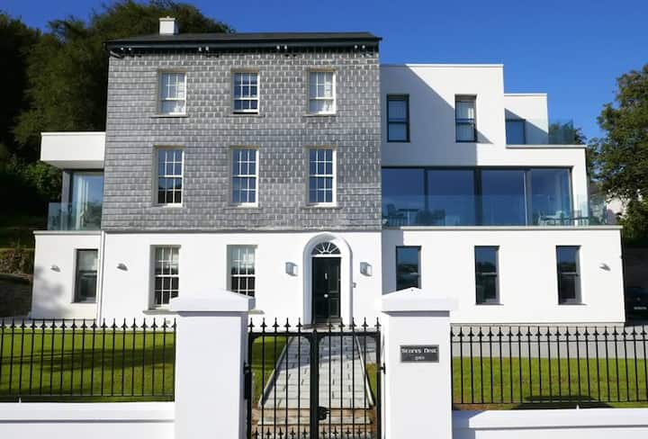 Luxury harbour view 700 Sq m home in Kinsale town