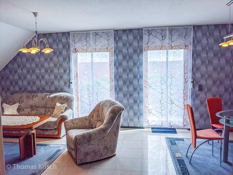 Sehr helle und gemütliche Wohnung mit Balkon