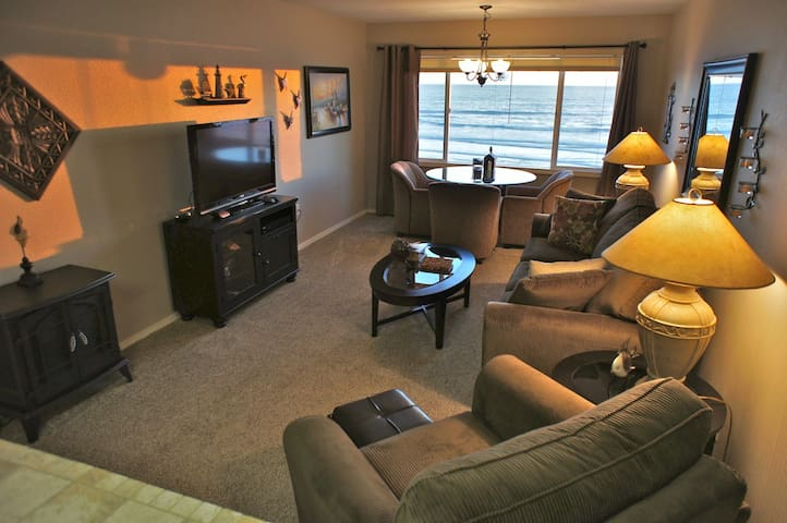Shore Thing - Stunning Beach Condo! - Lincoln City - Apartment