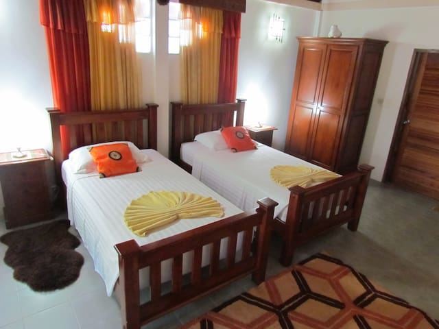 Kingsacre Butterfly Villa Twin Bedded room