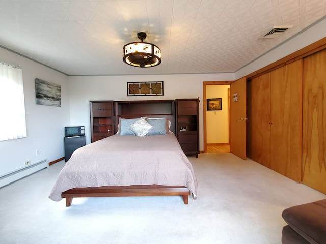 Master suit with with private balcony