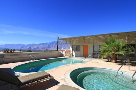 1960s California Desert/Spa Studio  - Desert Hot Springs - Appartement en résidence