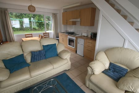 Comfortable and Close to beach - Freshwater East