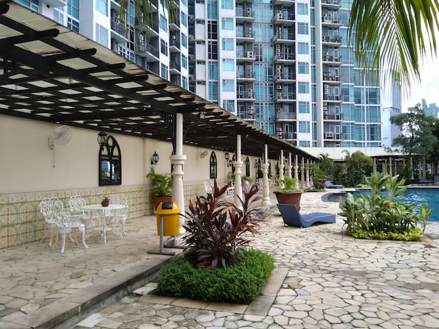 Comfortable 3 Bedroom Apartment In Mega Kuningan