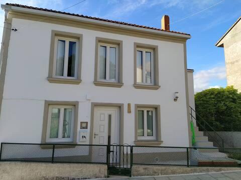 Casa 4 Habitaciones en Lira, Carnota