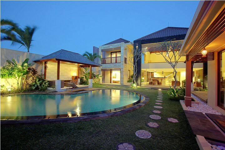 Naga 5 Bedroom Bathroom Villa Seminyak Villas For Rent In Bali Indonesia Bali Indonesia