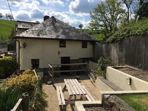 Cherry Tree Cottage, Longdown, Exeter.
