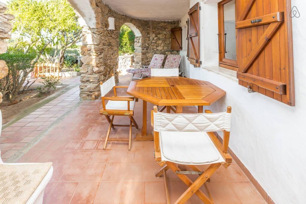 Ventilated porch