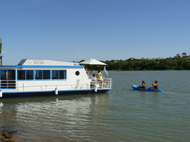 River Wren 3 Houseboat