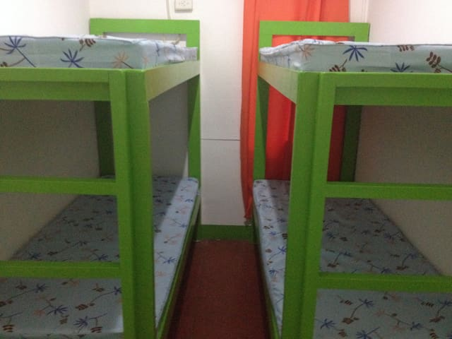Wanderers Guest House, 1Family Room - Manila - Bed & Breakfast