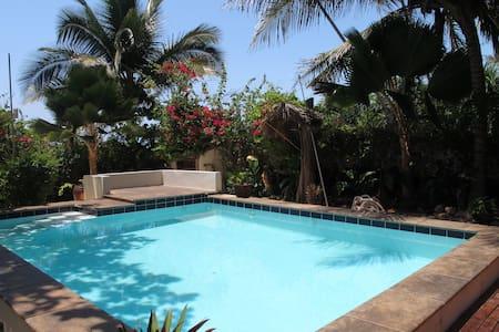 Villa Maua - Beachfront Fully Staffed Villa