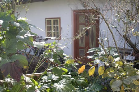 Nice Apartment in old Farmhouse - Gries bei Oberndorf - Apartamento