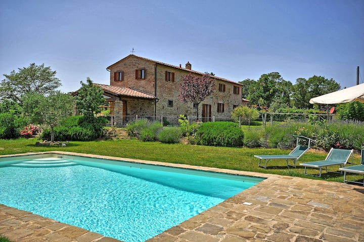 Villa Poggio Del Sole Cortona, 8 pax, private pool