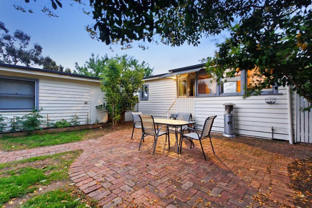 Own private courtyard, and bbq and side entrance