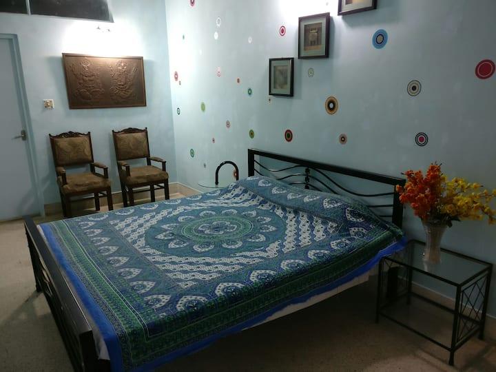Manhattan Alipore Room 2