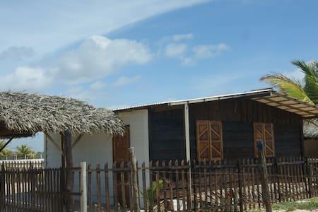 Casa de frente pro mar, praia linda - Estancia - Rumah
