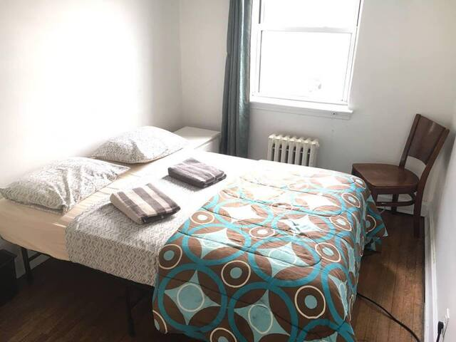 Cute, Clean Room for Rent in Cool, Safe Astoria
