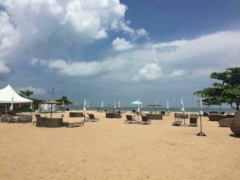 Pattaya beachfront waterpark 1BR (516)