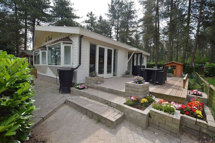 Luxe Chalet in Ravels Natuur, Comfort en Privacy!