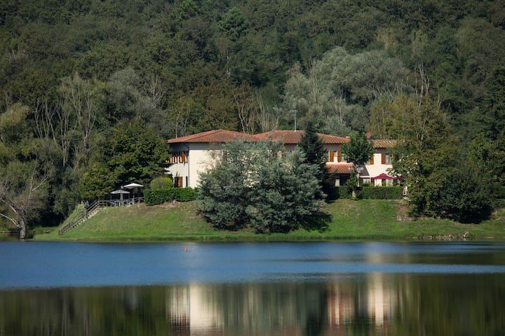 Camera Doppia A sul lago San Cipriano - Figline Valdarno - Bed & Breakfast