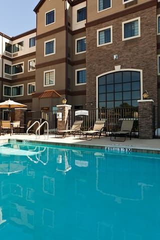 Modern Suite | Free Breakfast Buffet + Outdoor Pool + Hot Tub
