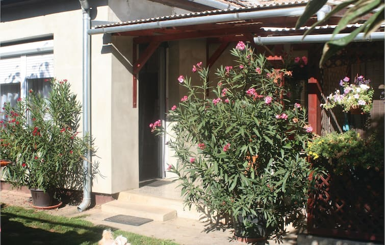 Holiday cottage with 3 bedrooms on 74m² in Balatonlelle