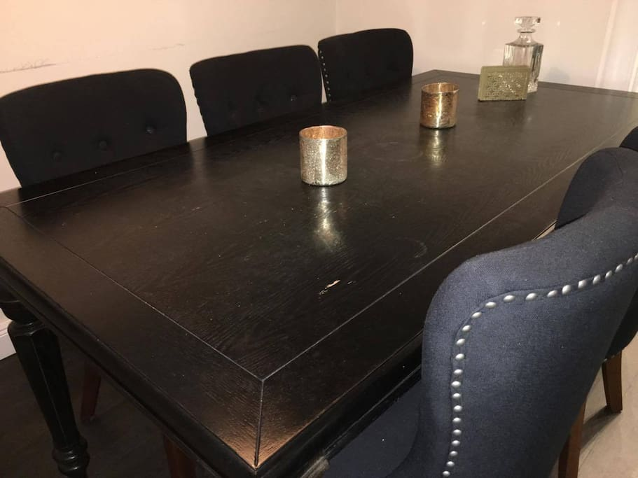 Kicthen table with seats for 6 persons