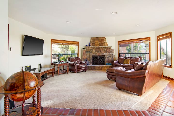 Vista California house w/pool, firepits & sunsets - Vista - House