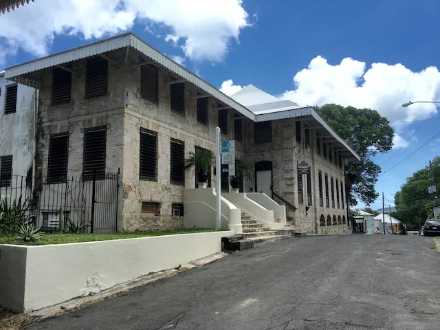 Liberty Hall - Frederiksted - Byt