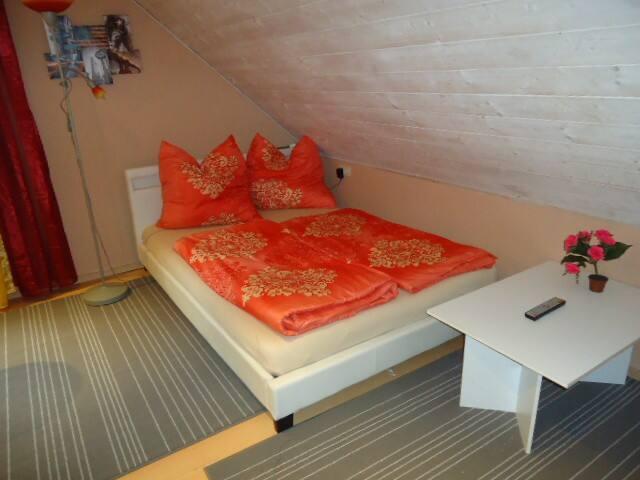gemütliches kleines Zimmer 2 - Bergkirchen - Apartment