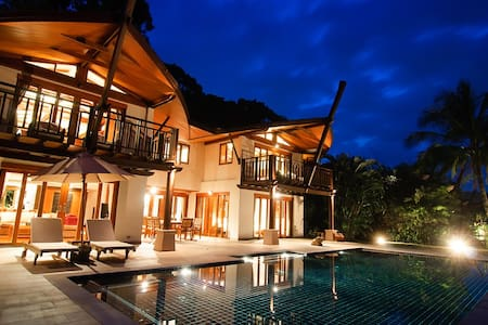 Coconut Island 3 Bedroom Grand Seaview Pool Villa