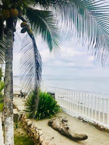 Apartamento en conjunto frente a la playa 11