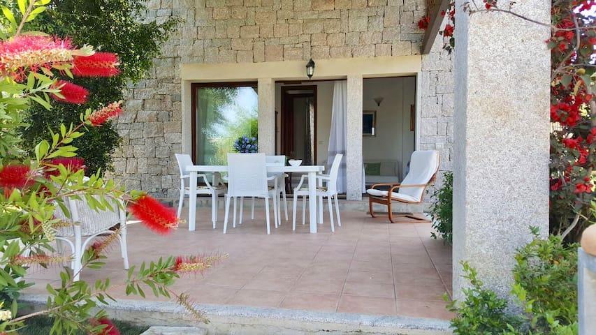 Villa in Cala Sinzias minutes from the beach