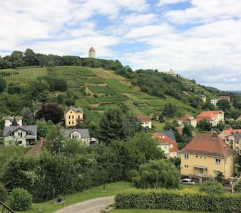 Villa in den Weinbergen mit Panorama von DresdenUG - Radebeul