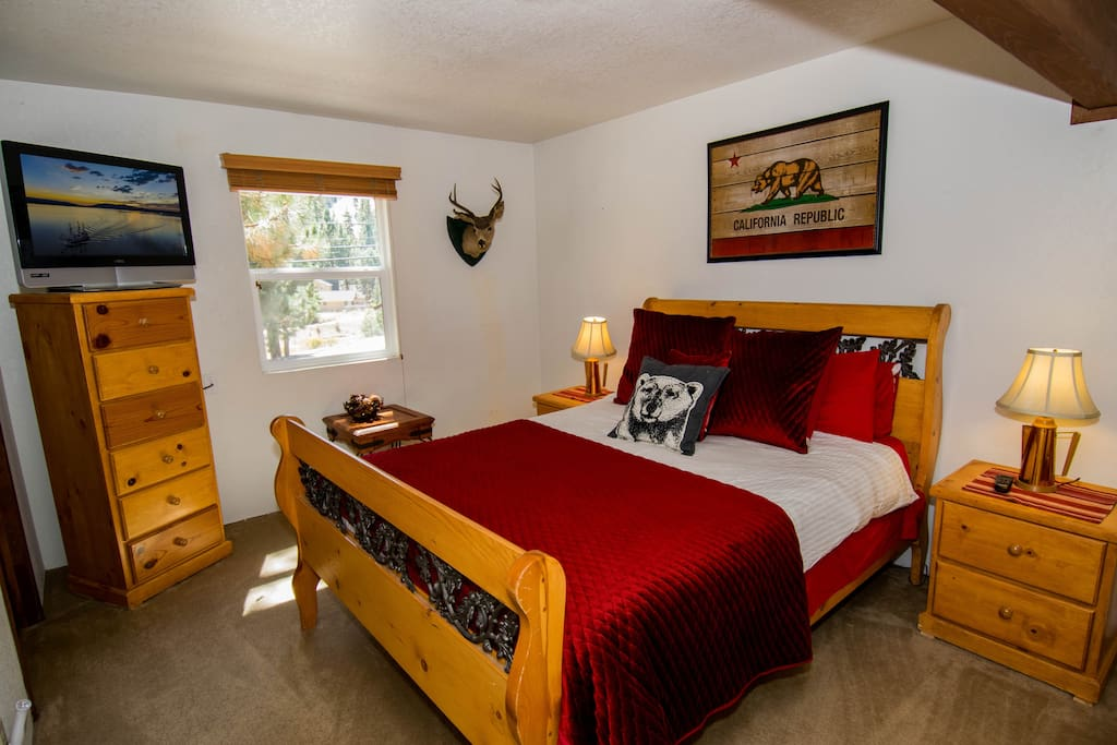 Upper level Master Bedroom with Jack & Jill Bathroom, Flat Screen TV