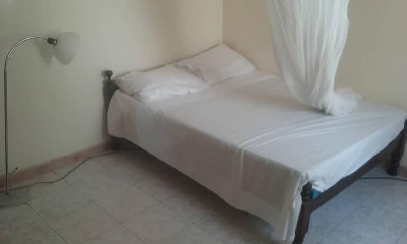 Gallé Niatigui Chambre simple