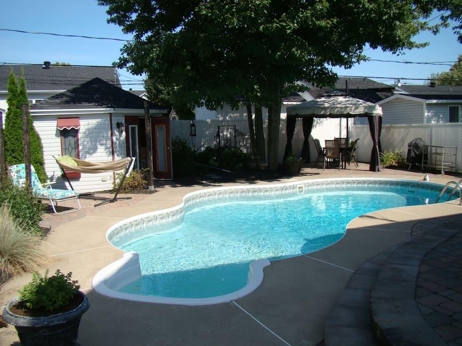 Maison ensoleill e avec piscine chauff e et spa - Maison et spa ...