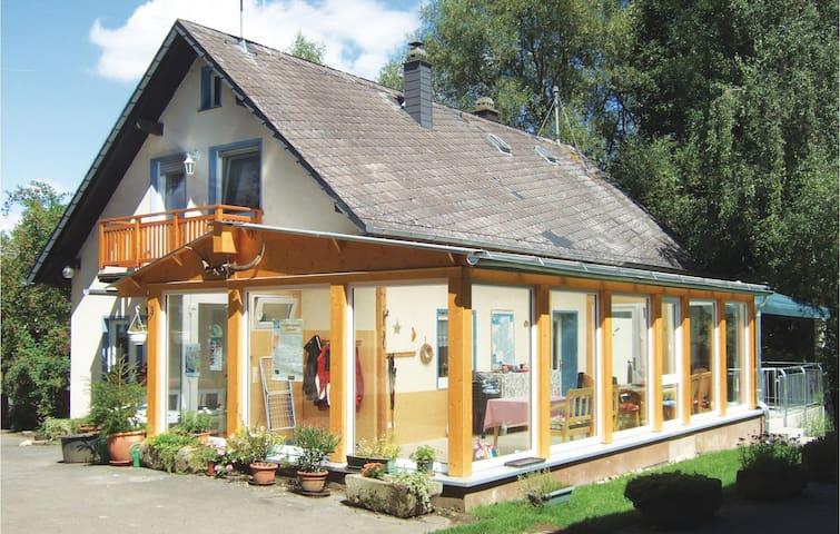 Holiday cottage with 5 bedrooms on 120m² in Kümbdchen