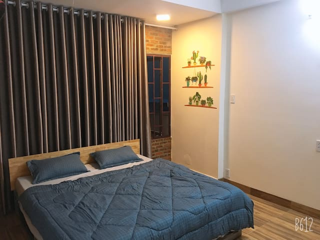 COME Home - Large 1 Room