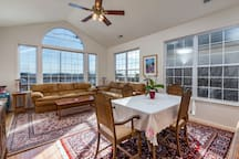Formal living/dining room
