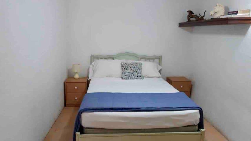Segunda habitación con una cama matrimonial para 1 o dos huéspedes