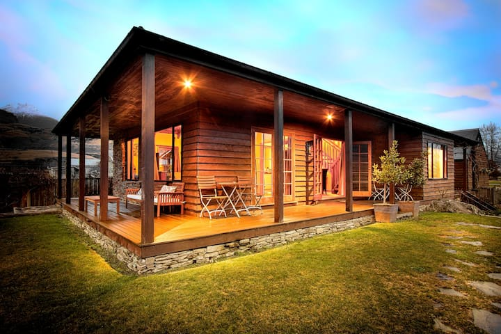 Private Glenorchy Lake House