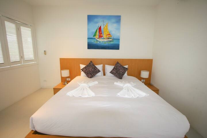 Beautiful, Modern 3 Bed Apartment - Great Views - Kammala - Apartment