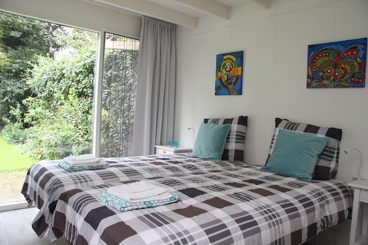 vrijstaande woonruimte met tuin - Sint Agatha - Bed & Breakfast